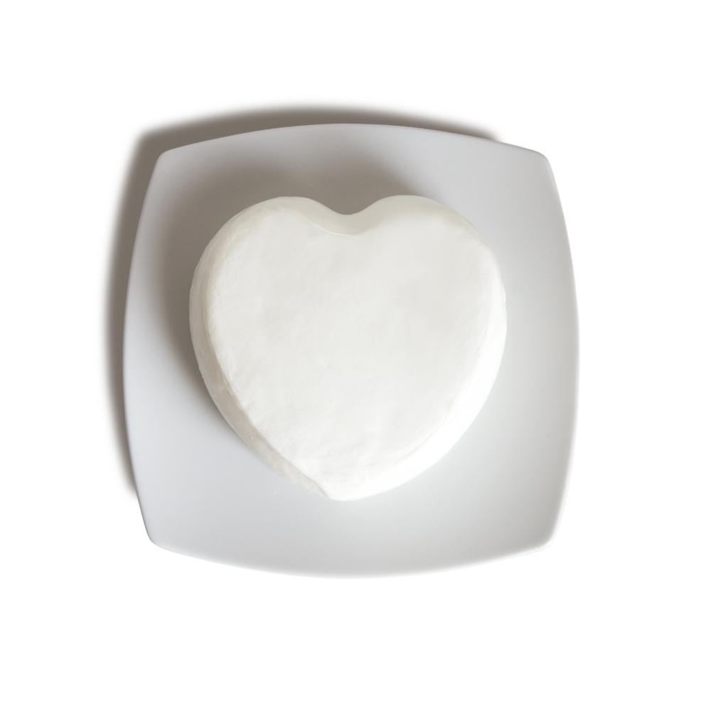 Cuore di Perle - mozzarella a forma di cuore ripieno di mozzarelline e panna - mozzarella a forma di cuore senza lattosio - Caseificio San Leonardo - Salerno - Campania